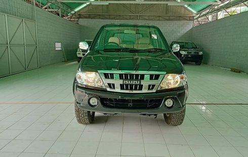 Jual mobil Isuzu Panther 2.5 54f H Adventure Manual 2010 harga murah di Jawa Barat