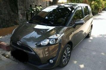 Dijual cepat mobil Toyota Sienta V 2017, DKI Jakarta