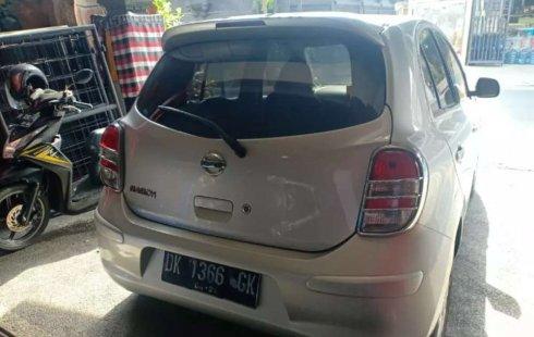 Mobil Nissan March 2011 1.2 Manual terbaik di Bali