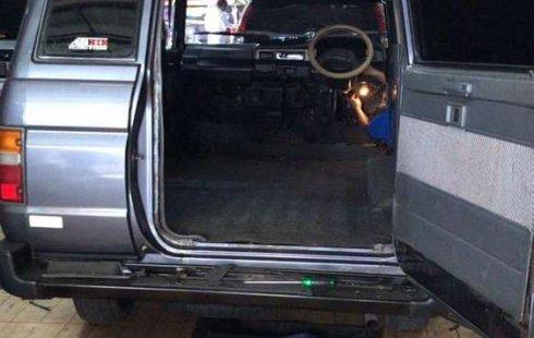 Mobil Toyota Kijang 1994 SSX terbaik di Jawa Barat