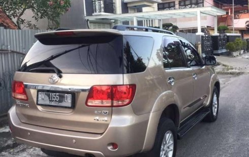 Toyota Fortuner 2007 Riau dijual dengan harga termurah