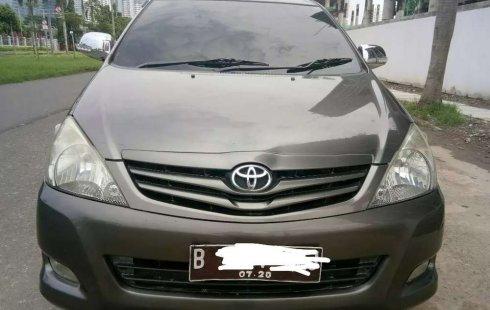Jual Toyota Kijang Innova E 2.0 2010 harga murah di DKI Jakarta
