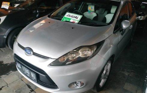 Jual mobil Ford Fiesta 1.5 NA 2010 harga murah di DIY Yogyakarta