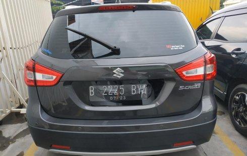 Jual mobil Suzuki SX4 S-Cross AT 2018 bekas di Jawa Barat