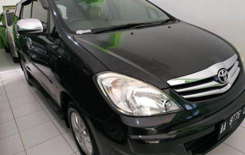 Jual mobil Toyota Kijang Innova 2.0 V 2011 murah di DIY Yogyakarta