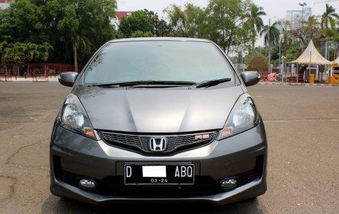 Jual mobil Honda Jazz RS 2014 dengan harga murah di DKI Jakarta