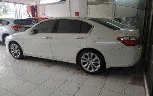 Dijual cepat mobil Honda Accord 2.4 VTi-L AT 2013, Jawa Barat