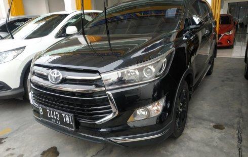 Jual mobil Toyota Innova Venturer AT 2017 terawat di Jawa Barat