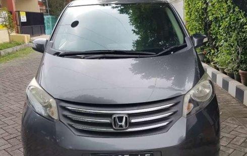 Mobil Honda Freed 2010 PSD terbaik di Jawa Timur