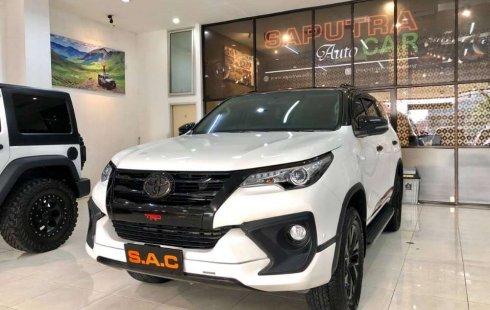 Jawa Timur, Toyota Fortuner VRZ 2018 kondisi terawat