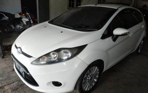 Jual mobil Ford Fiesta 1.5 NA 2011 murah di DIY Yogyakarta