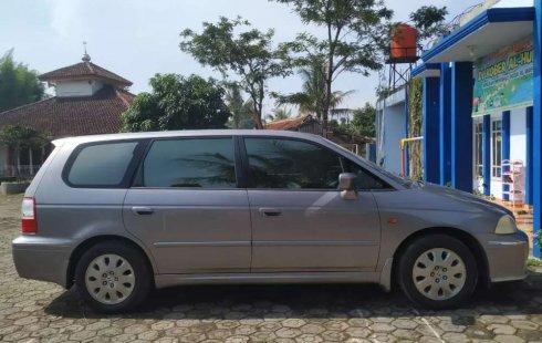 Jual Honda Odyssey Absolute V6 automatic 2002 harga murah di Jawa Barat