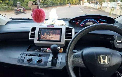 Mobil Honda Freed 2010 1.5 terbaik di Pulau Riau