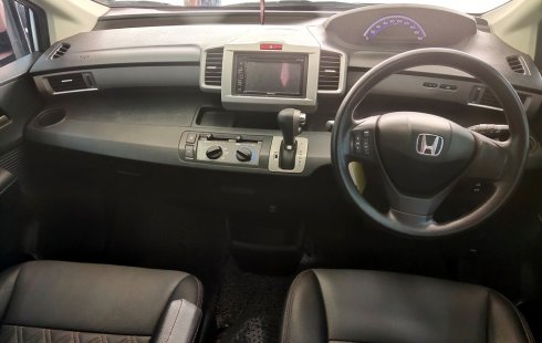 Mobil Honda Freed 1.5 SD At 2014 dijual, DKI Jakarta