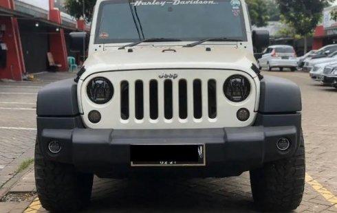 Jual mobil Jeep Wrangler 3.8 Sport Unlimited 2011 dengan harga terjangkau di DKI Jakarta