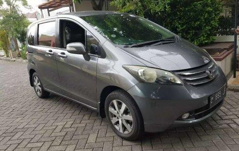 Mobil Honda Freed 2016 E terbaik di Jawa Timur