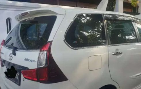 Dijual mobil bekas Toyota Avanza Veloz, Bali