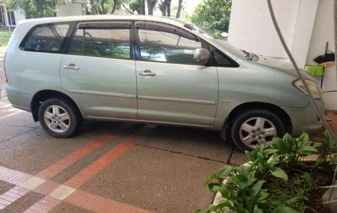 Jawa Tengah, Toyota Kijang Innova 2.0 G 2005 kondisi terawat