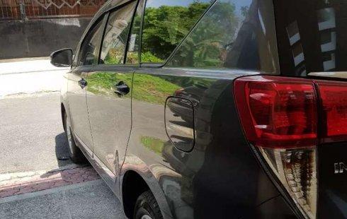 Jual Toyota Kijang Innova V 2017 harga murah di Jawa Timur