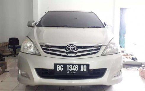 Jual cepat Toyota Kijang Innova E 2.0 2010 di Sumatra Selatan