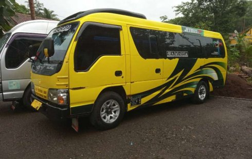 Dijual mobil bekas Isuzu Elf 2.8 Minibus Diesel, Jawa Tengah