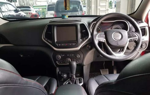 Mobil Jeep Cherokee 2014 dijual, Sulawesi Selatan