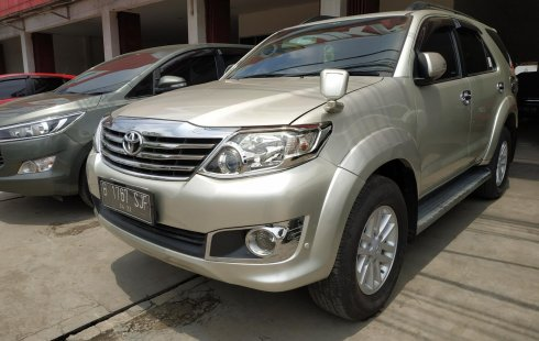 Jual mobil Toyota Fortuner 2.5 G AT 2012 harga murah di Jawa Barat