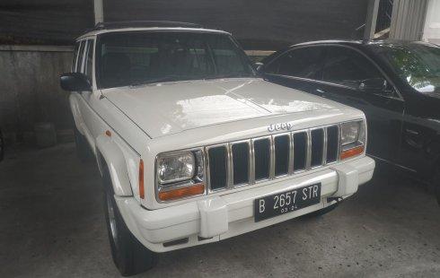 Jual mobil Jeep Cherokee Limited 1998 dengan harga murah di DKI Jakarta