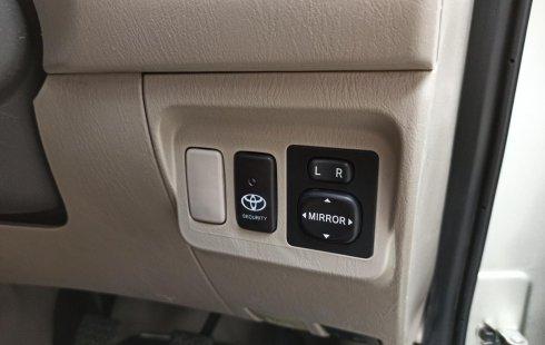Dijual mobil Toyota Kijang Innova 2.0 G Bensin MT 2014 bekas, Jawa Timur