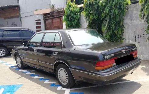 Toyota Crown 1999 Jawa Timur dijual dengan harga termurah