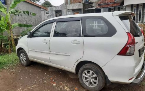 Mobil Daihatsu Xenia 2013 X STD terbaik di Jawa Barat