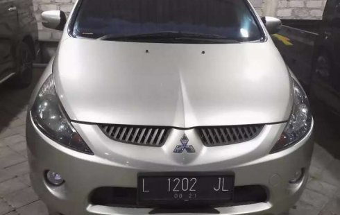 Dijual mobil bekas Mitsubishi Grandis , Jawa Timur