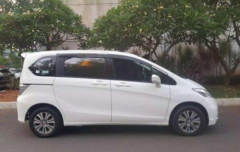 Mobil Honda Freed 2015 E terbaik di DKI Jakarta