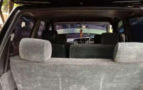 Jawa Barat, jual mobil Toyota Kijang LGX 2001 dengan harga terjangkau