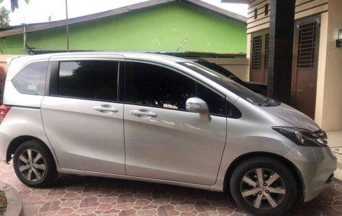 Jual cepat Honda Freed PSD 2010 di Sumatra Utara