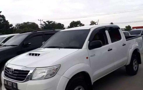 Jual cepat Toyota Hilux E 2014 di Riau