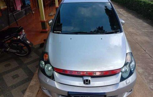 Mobil Honda Stream 2004 terbaik di Jawa Tengah