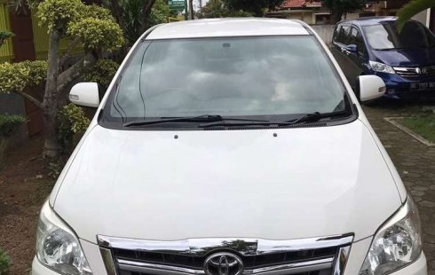 Dijual mobil bekas Toyota Kijang Innova V Luxury, Sumatra Selatan