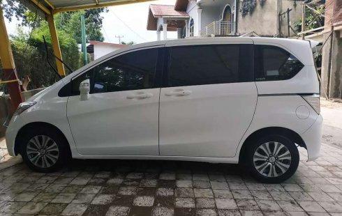 Honda Freed 2015 Riau dijual dengan harga termurah