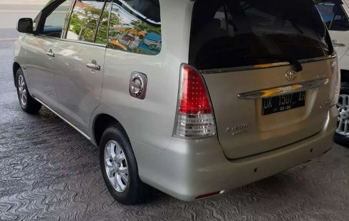 Bali, Toyota Kijang Innova 2.0 G 2009 kondisi terawat