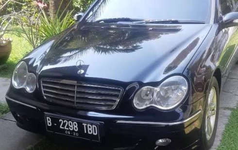 Mobil Mercedes-Benz C-Class 2005 C 240 dijual, Jawa Barat