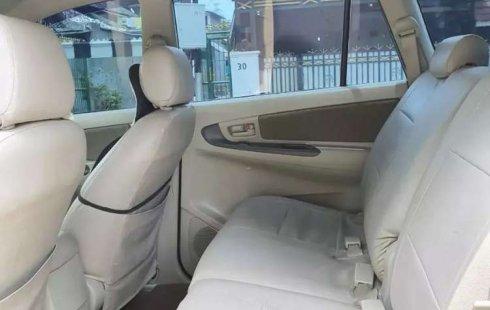 Mobil Toyota Kijang Innova 2013 2.0 G terbaik di Lampung