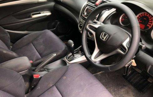 Dijual mobil bekas Honda City E, Jawa Timur