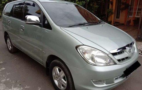Jawa Barat, Toyota Kijang Innova V 2006 kondisi terawat