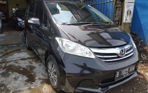 Dijual mobil bekas Honda Freed PSD 2012 di Bekasi