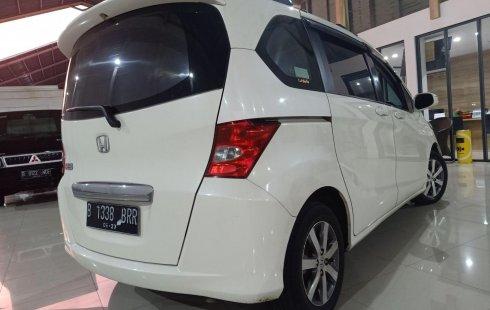 Jual Mobil Bekas Honda Freed PSD 2012 di Bekasi