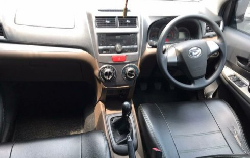 Dijual Cepat Daihatsu Xenia R 2016 di Bekasi