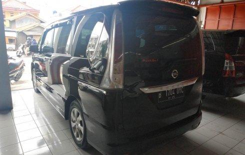 Bekasi, Mobil bekas Nissan Serena Highway Star 2014 dijual