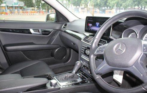 Jual Mobil Bekas Mercedes-Benz C-Class C200 2011 di DKI Jakarta