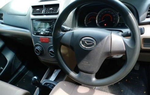 Jual Mobil Bekas Daihatsu Xenia R 2018 di Bekasi